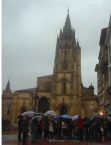 Delante de la catedral